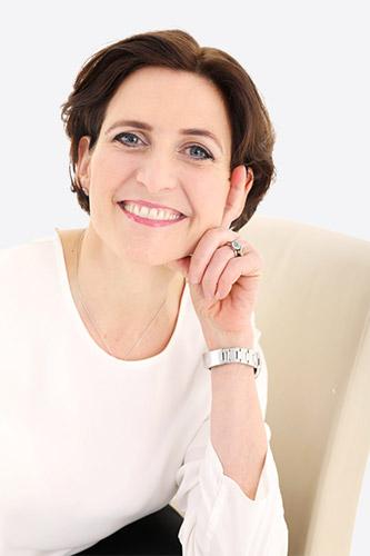 Dr. Gabriele Lang